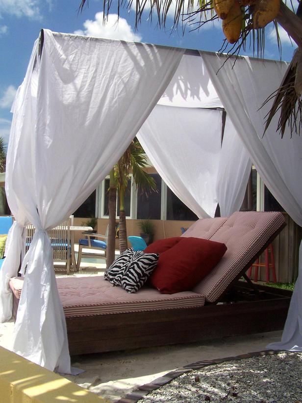 Lounger Canopy Bed By Tiki 262 Via HGTV