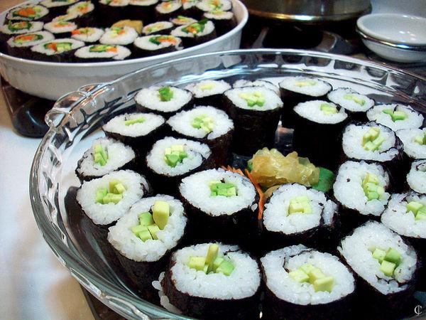 ข้าวห่อสาหร่ายไส้อาโวคาโด้, อาโวคาโดะมากิ (Abokado Maki)