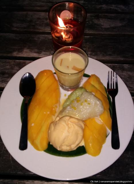 mango sticky rice waterfront