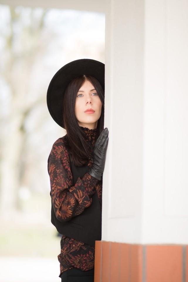 styl boho stylizacja boho z kamizelką kapelusz fedora blog o modzie blogerka modowa boho w miejskim stylu 2016 łódzka blogerka modowa Łódź