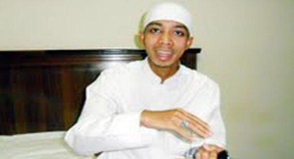 Alami Lumpuh Selama 1,5 Tahun, Pemuda Ini Justru Bisa Menghafalkan 30 Juz Al Quran