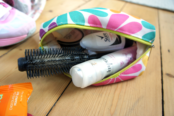 gym kit - make up bag