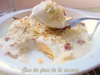 HUEVOS GRATINADOS CON BECHAMEL DE PUERROS Y JAMÓN