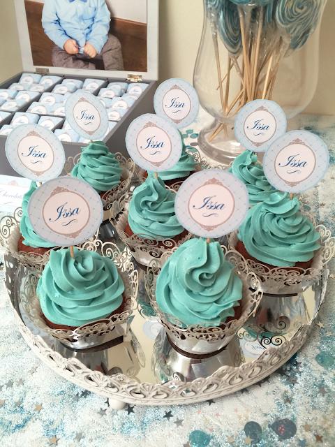 Cupcakes avec topping crème au beurre bleue