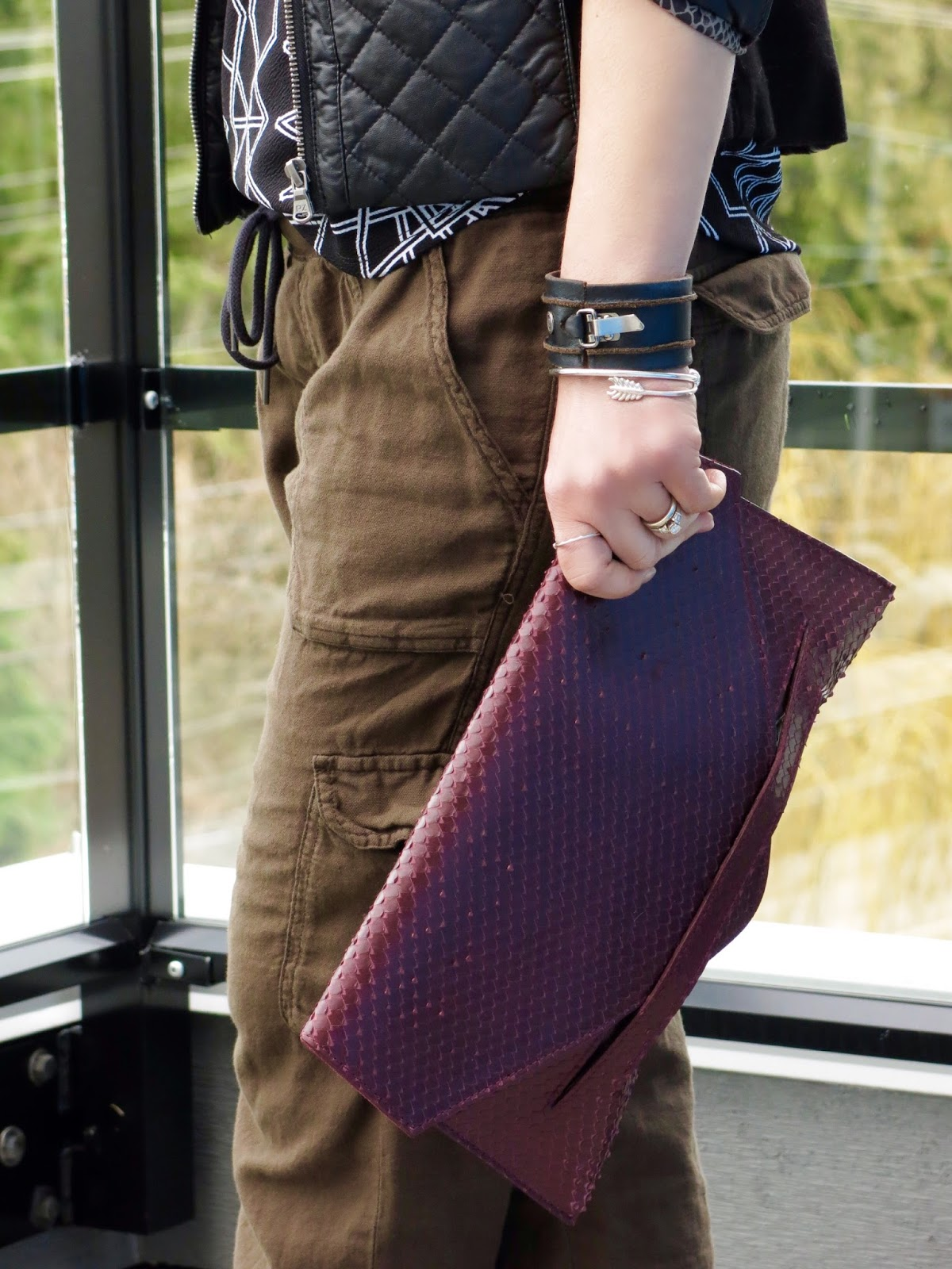 slouchy cargo pants, faux-snake clutch