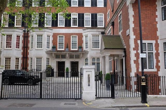Anak Tiri Najib Beli Rumah Eksklusif Di London Guna Dana 1MDB, Kata WSJ