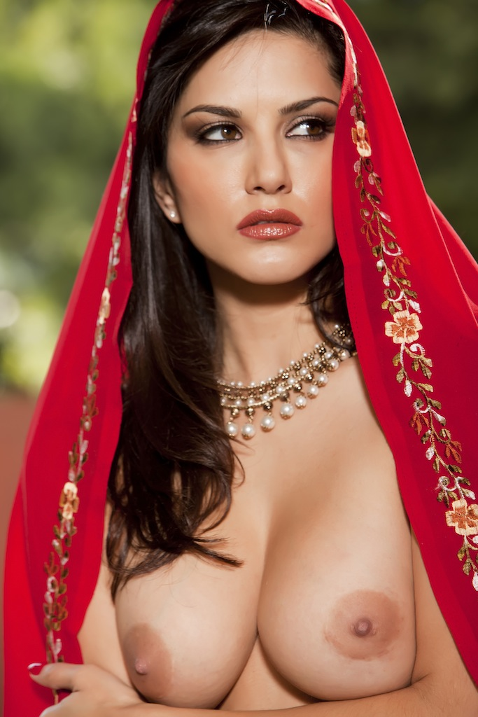 Sunny leone kiss full nude opinion you