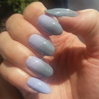 #10 Gradient nails