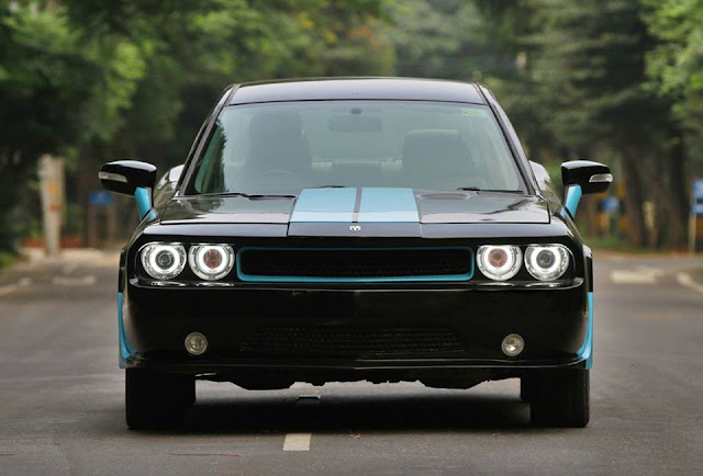Ford Mondeo Modified Dodge Challenger