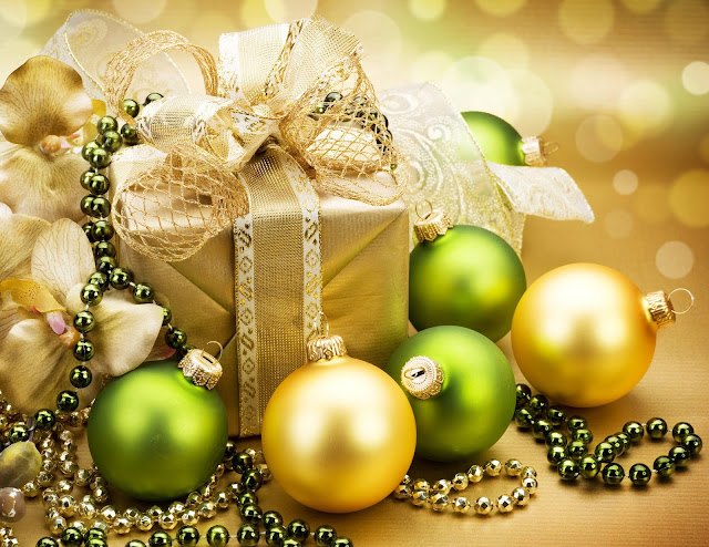 merry christmas green balls wallpaper hd