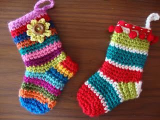 mini calze della befana ad uncinetto