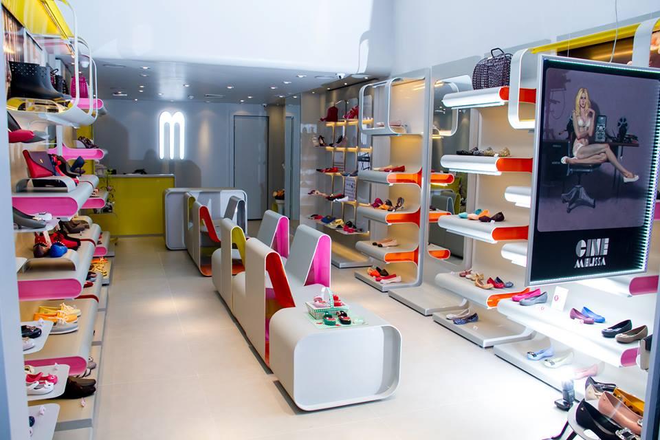 7843d9566be COLUNISTA JOÃO NUNES  Clube Melissa abre primeira loja em Curitiba ...