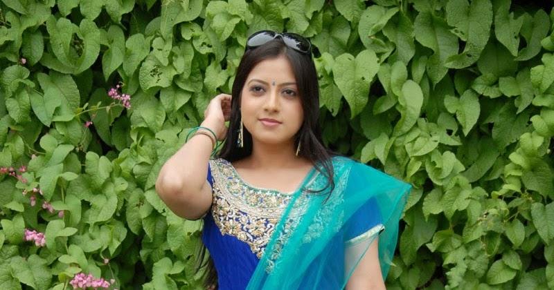 Keerthi Chawla HD Salwar Kameez Pictures