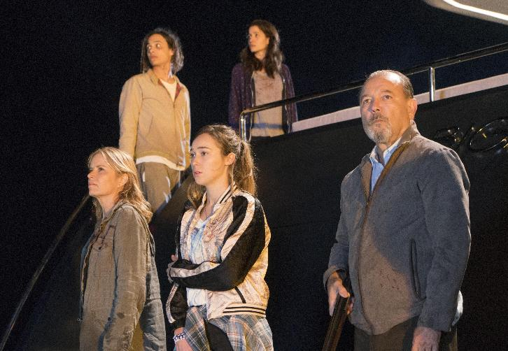 "Fear the Walking Dead - Monster - Review: ""Barely Afloat"""