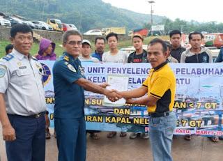 Sudah 400 Pas Kecil Di Serahkan Pada Nelayan Di Bandung dan Sekitarnya