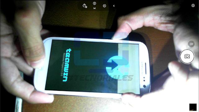 Iniciando TWRP, logo en pantalla del Samsung Galaxy S3 t999.