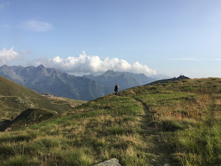 Heading back to Rifugio Montebello on Sentiero 203.