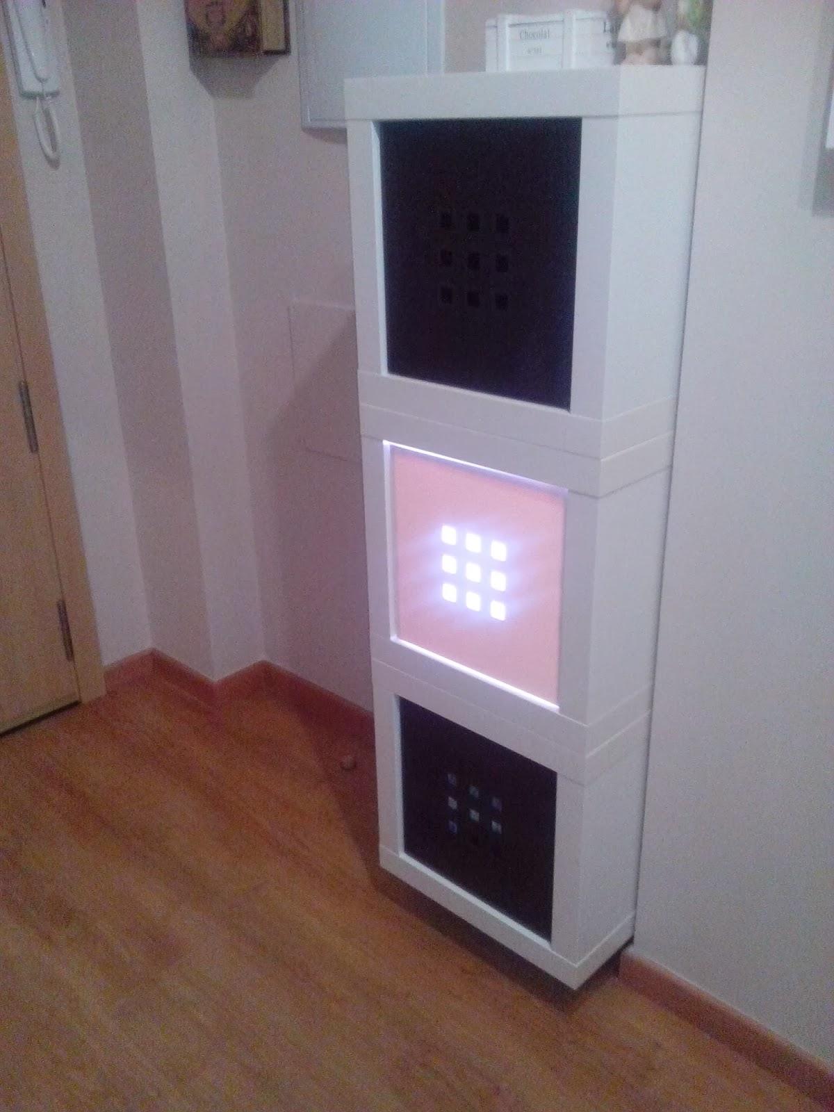 Un Mueble Luminoso Para El Recibidor Con M Dulos Expedit Mi  # Muebles Recibidor Ikea