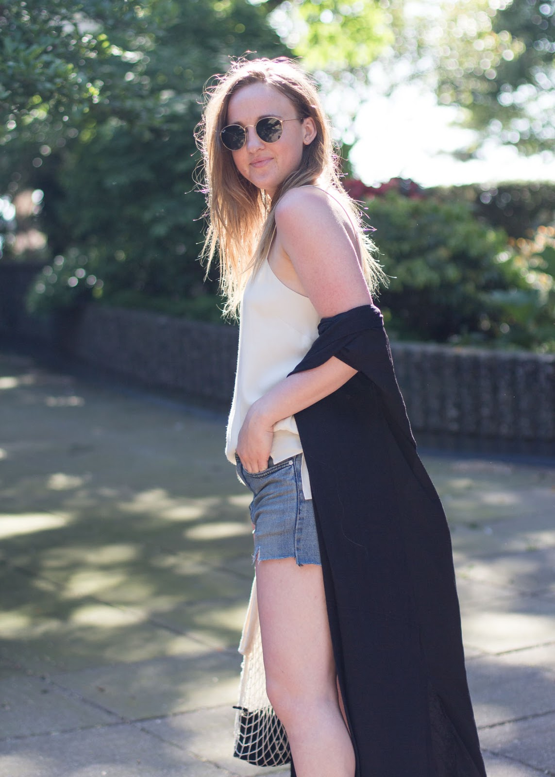 Summer outfit - Vancouver Fashion Blogger - Aritzia camisole - Clare V. netty bag