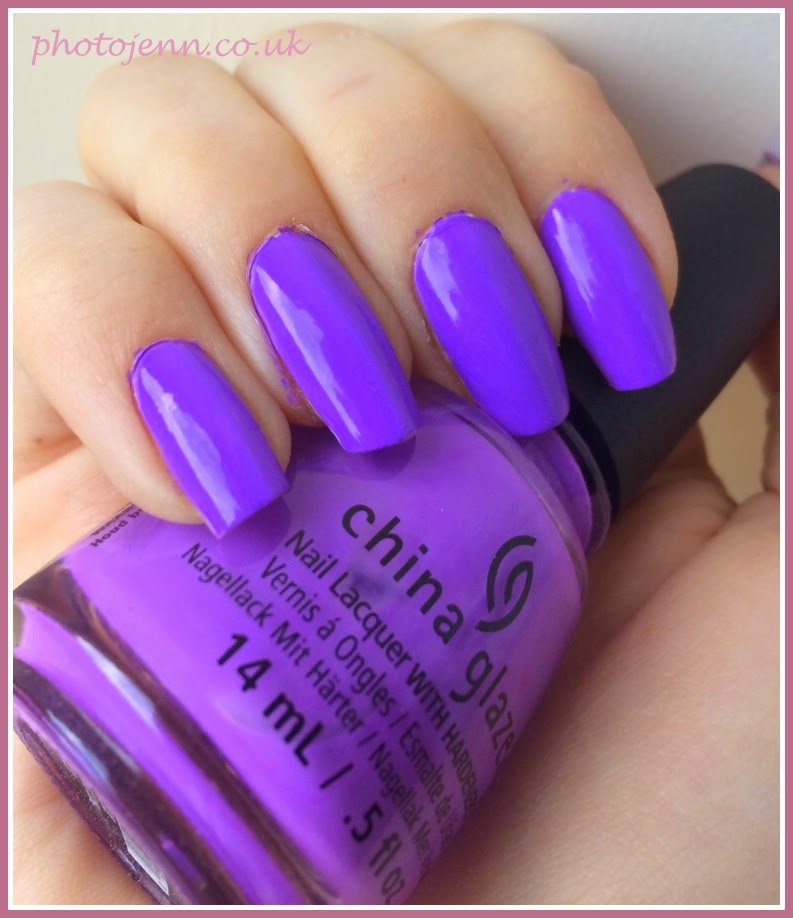 china-glaze-that's-shore-bright-coloristiq