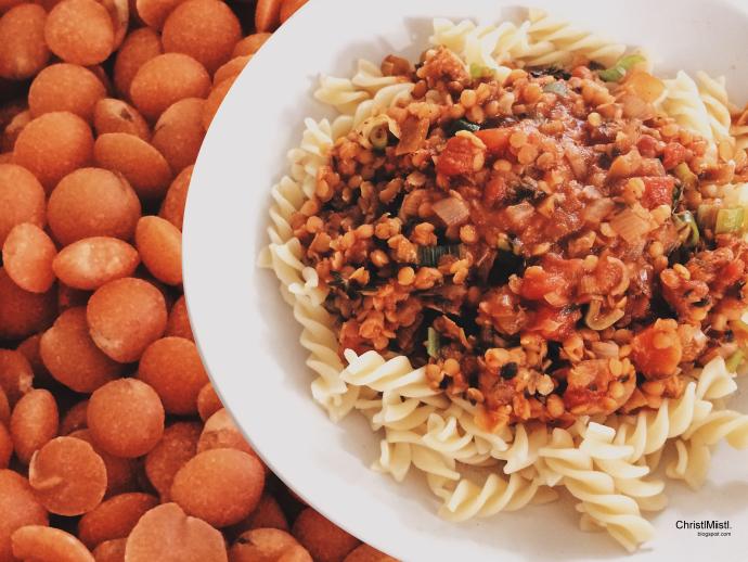 Pasta mit veganer Bolognese aus roten Linsen Rezept