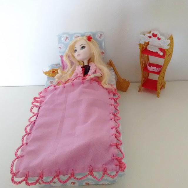 cama para bonecas, cama para barbie, casa de boneca , casa de barbie, apple white