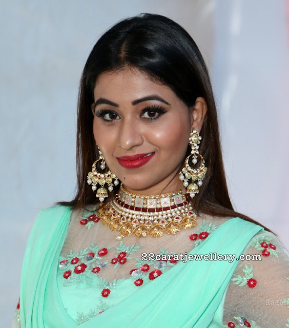 Manali Rathod Kundan Choker
