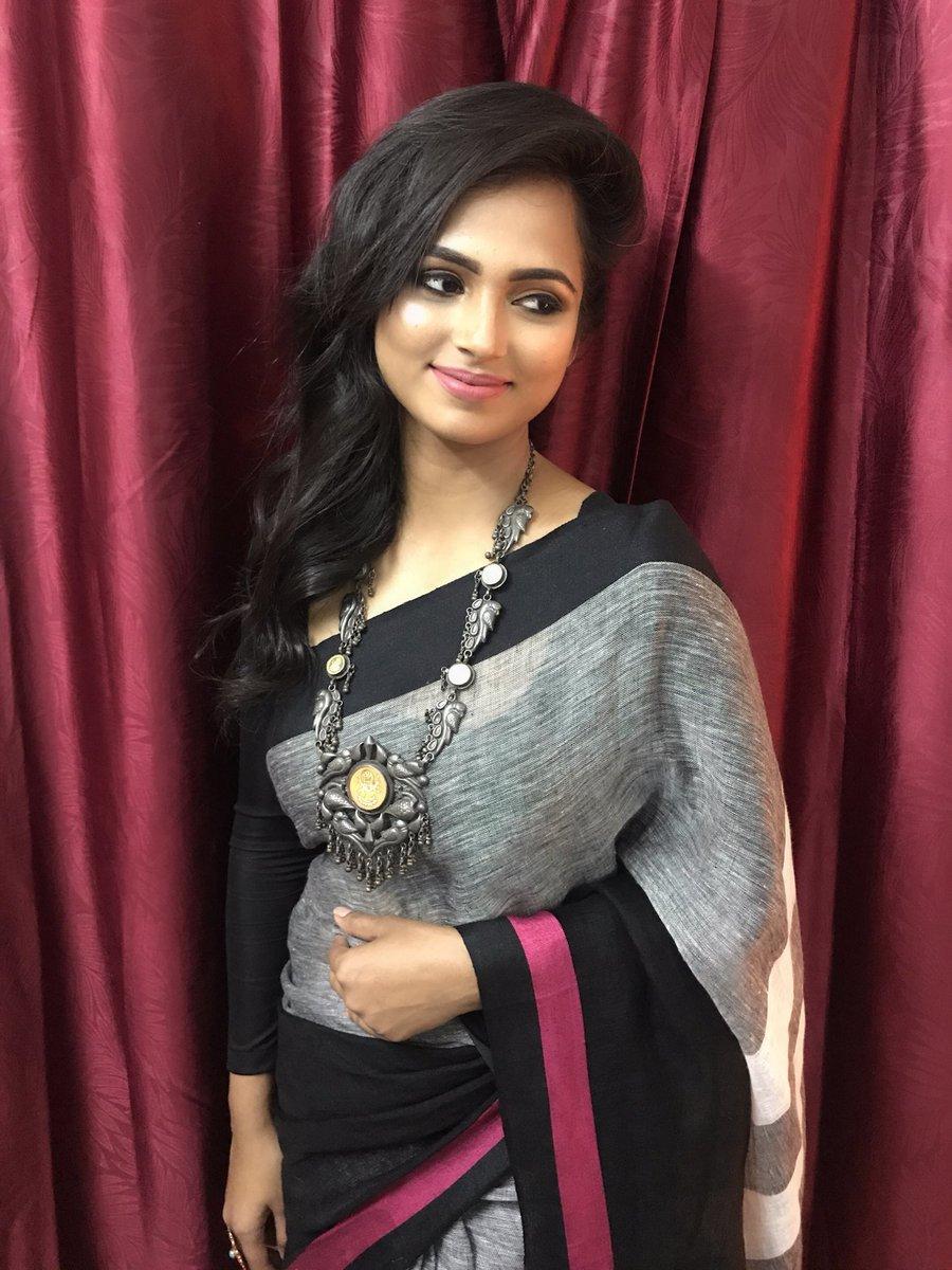 Actress RamyaPandian Latest HD Images