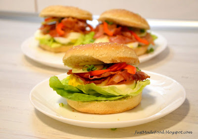 hamburger jajko-bekon