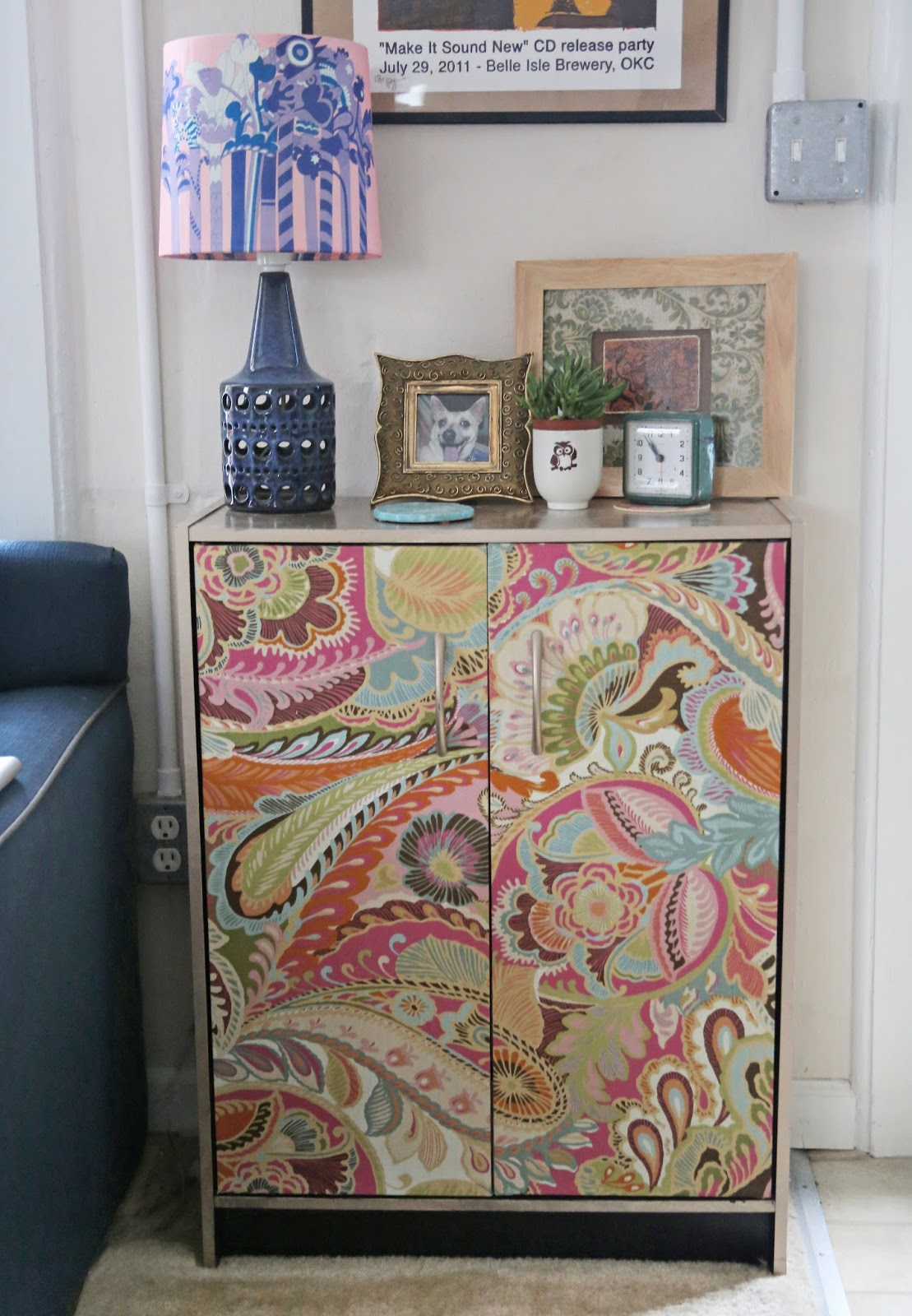Update Cheap Furniture: DIY Bookshelf And Furniture Revamp With Fabric