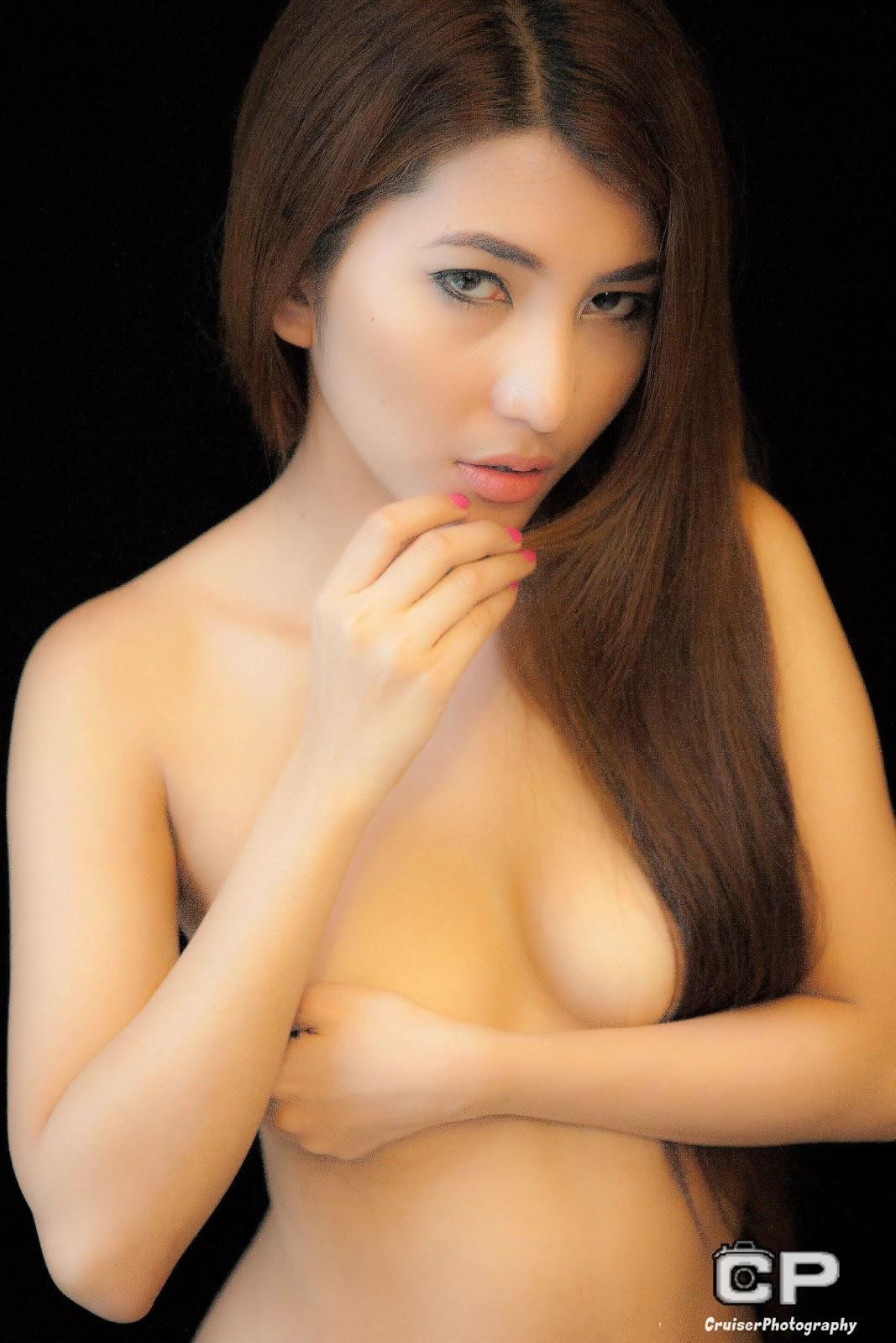 cristina oquias sexy topless pics 02