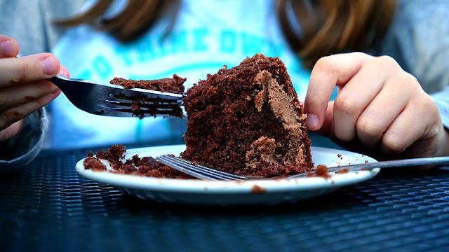 8 نصائح هامة في التغذية السليمة للأطفال حديثي الولادة