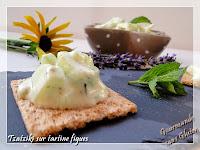 http://gourmandesansgluten.blogspot.fr/2014/07/tzatziki-sur-tartine-figues-de-natine.html