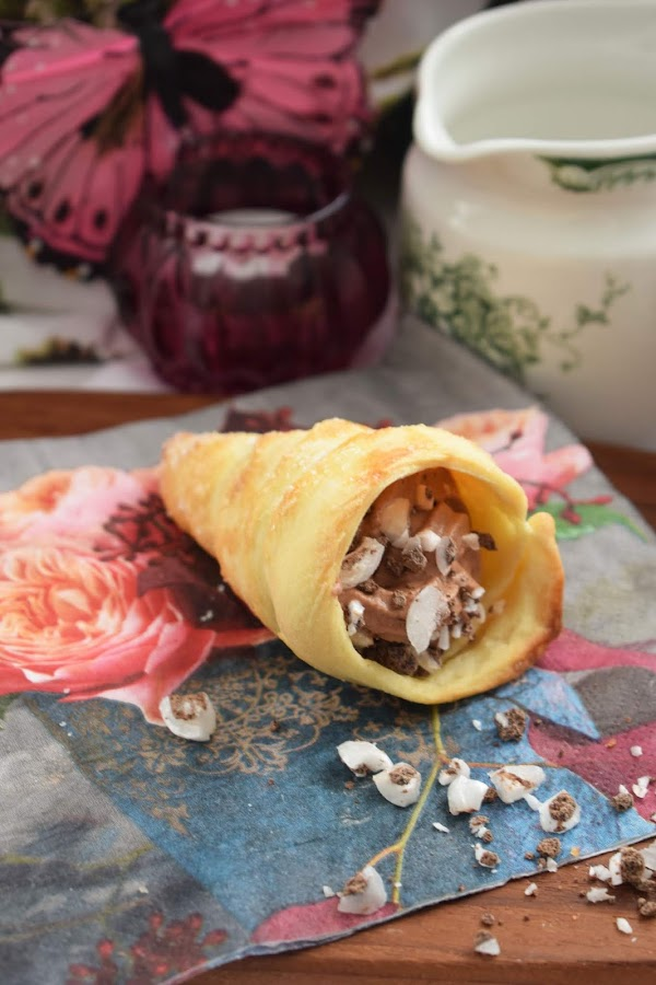 Cachitos con chocolate – små strutar med choklad