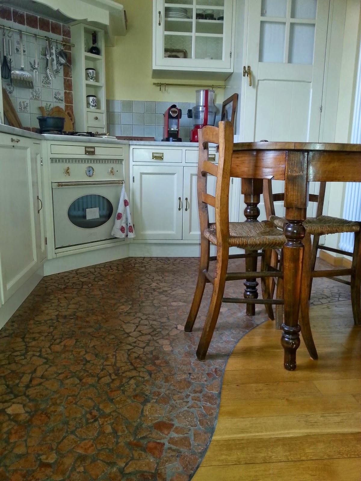 Parquet In Cucina | Parquet E Piastrelle In Cucina Gres Legno Bianco Con