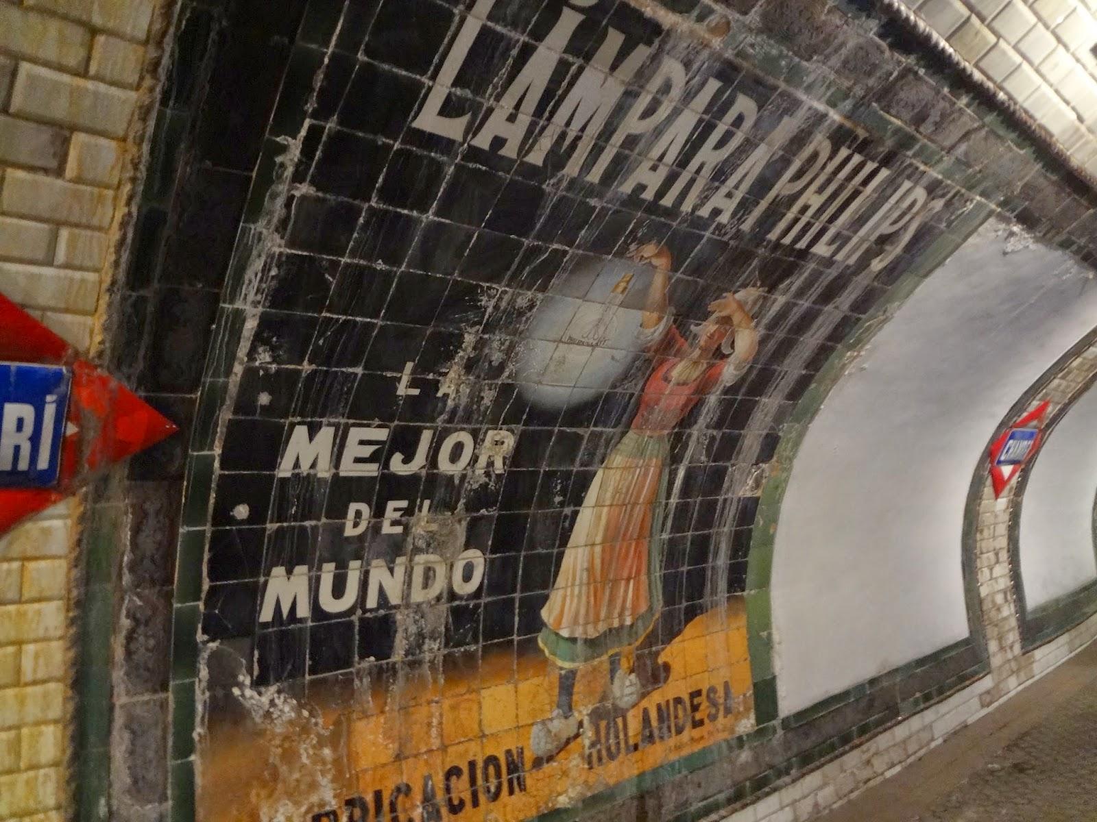 Andén en la estación de Chamberí