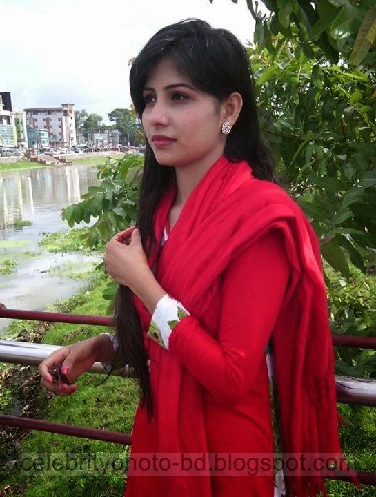 Exclusive New Collection Of Bangladeshi Hot Girls Photo 2014-2015
