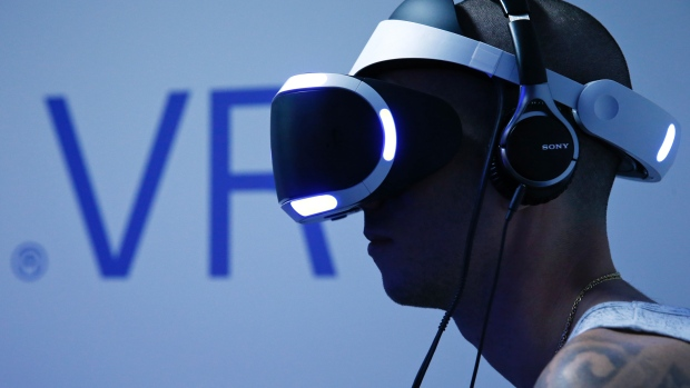 PlayStation VR to debut in October for $549