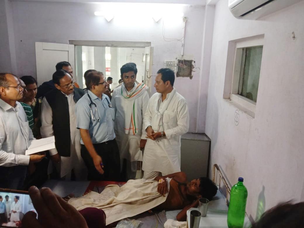 मंत्री श्री सुरेन्द्र सिंह बघेल ने जिला चिकित्सालय झाबुआ का किया आकस्मिक निरीक्षण