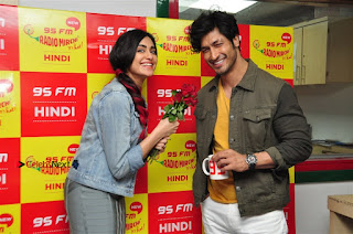 Vidyut Jamwal Adah Sharma Commando 2 Movie Team at Radio Mirchi 95  0048.jpg