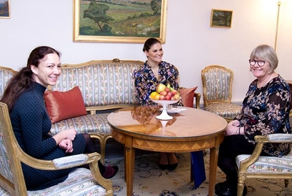 Princess Victoria meet Malin Grände and Elisabeth Wallenius. Princess Victoria wore GESTUZ Fally Dress