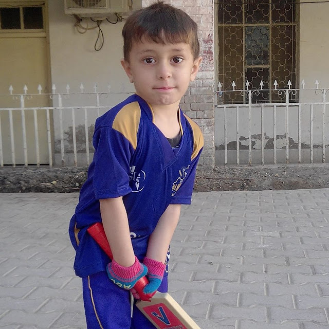 Abdullah, Al Mashriq Cricket Club, Al Mashriq Quetta, AlMashriq Cricket Club, Batting, boy, child, cricket, kid, Little Warner, pakistan, Pashtun, Pathan, Sister, Talent, video, Viral, Warner, Left Hand,