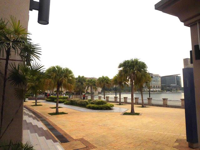 kawasan menarik di Mesjid Putra Jaya Malaysia