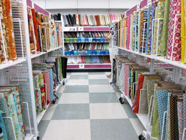 Come organizzare le tue stoffe (e avere più tempo per cucire)