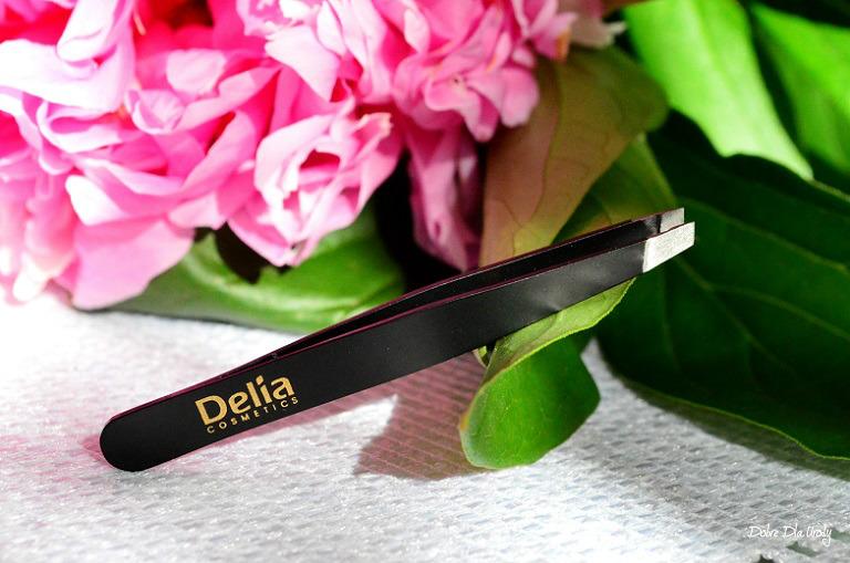 Pęseta do brwi Eyebrow Expert Delia Cosmetics recenzja