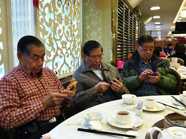 25 Pictures That Prove Technology Is Ruining Society - Even the Chinese!