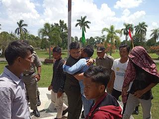 Terkait Polemik DPRD Lombok Barat dan Aktivis, Haitami Menangis Sambil Memeluk Ketua DPRD