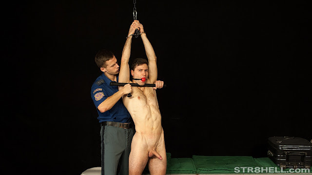 #Str8hell - Tomas & Martin RAW - Airport Security