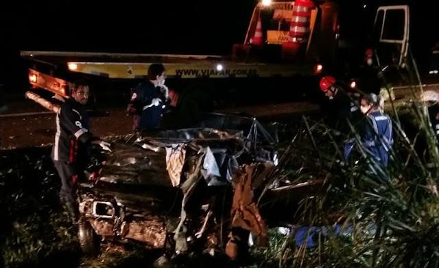 Quatro caminhoneiros, suspeitos de participar de 'racha' que matou cinco pessoas, são presos