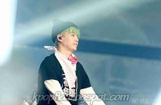 Foto Suga BTS saat Konser dipanggung